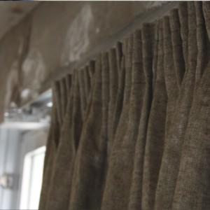 起毛リネンのギャザーカーテン